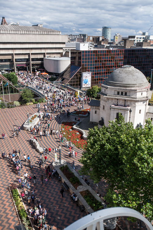 A view from the top onto the pedestrian flow from the Centenary Square, past the Hall of Memory, via the bridge to the Paradise Circus