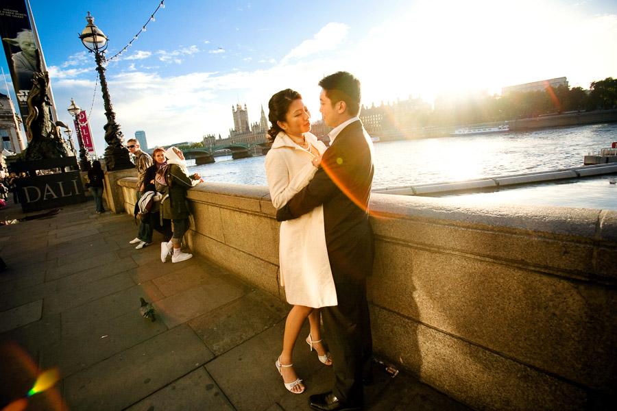 Urban portrait photo - a couple at the river Thames