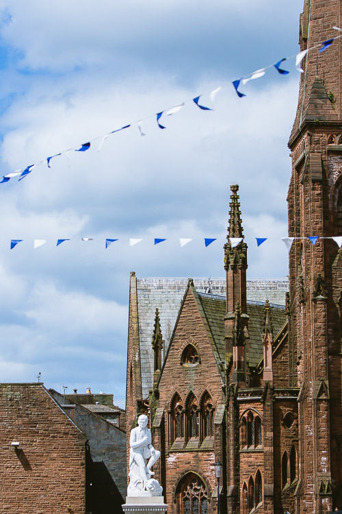 Dumfries town cemtre decorated for Quid Nychburris photo
