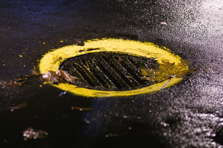 Strange yellow pothole circles