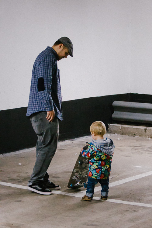 Skateboarding lesson for the young one