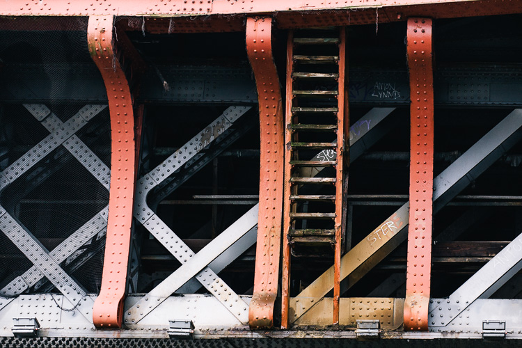 Steel lattice girders of Caledonian Railway Bridge