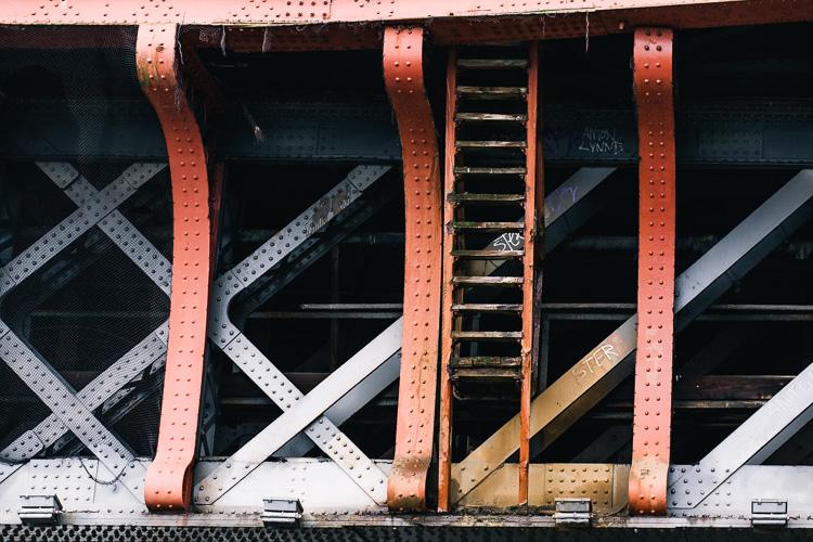 Steel lattice girders of Caledonian Railway Bridge