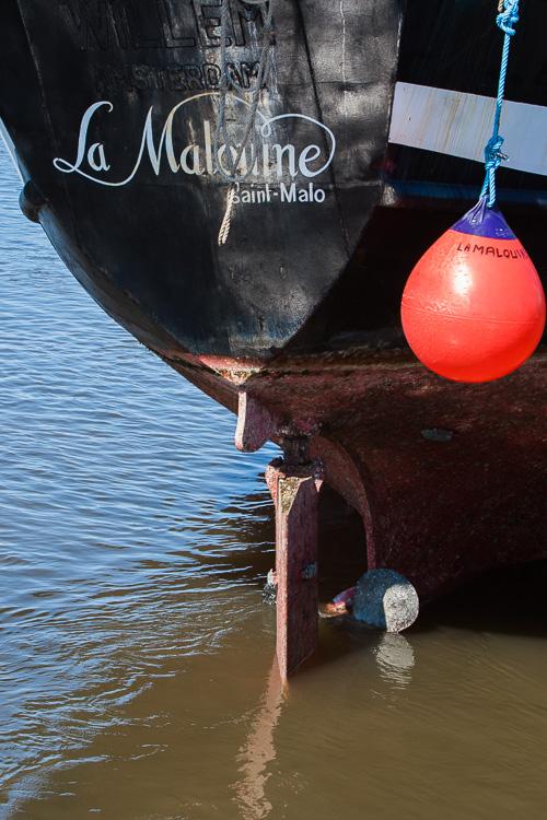 La Malouine exposed as the tide wears off
