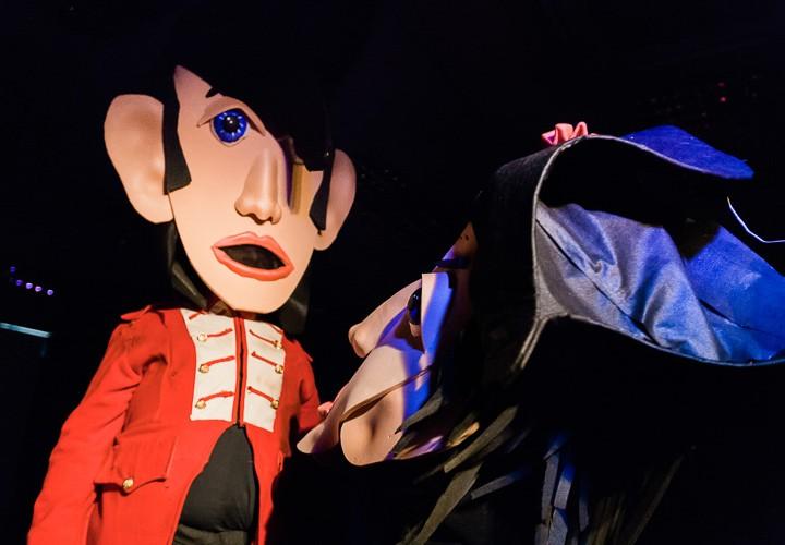Waterloo Sunset giant puppet theatre