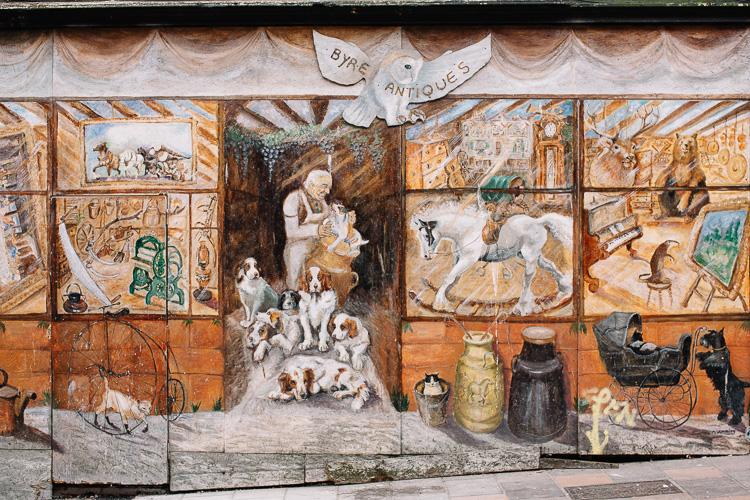 Antique shop street mural (now demolished)