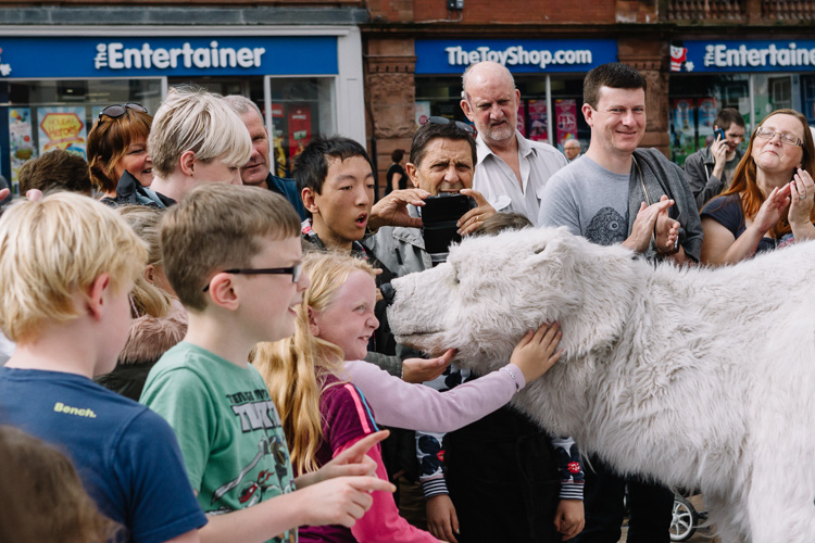 Carlisle Fringe 2016: Kids are sniffed by the life-size and life-like Bjorn The Polar Bear