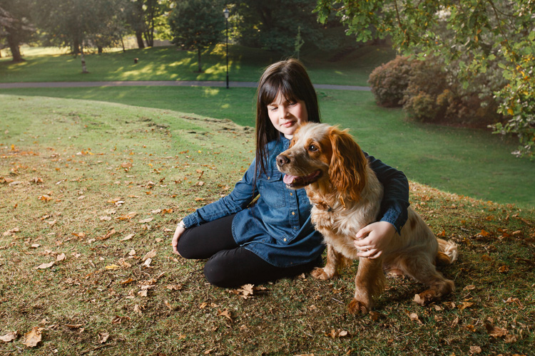 Kayleigh and Rio – autumnal portraits at Castledykes Park (Part 1)