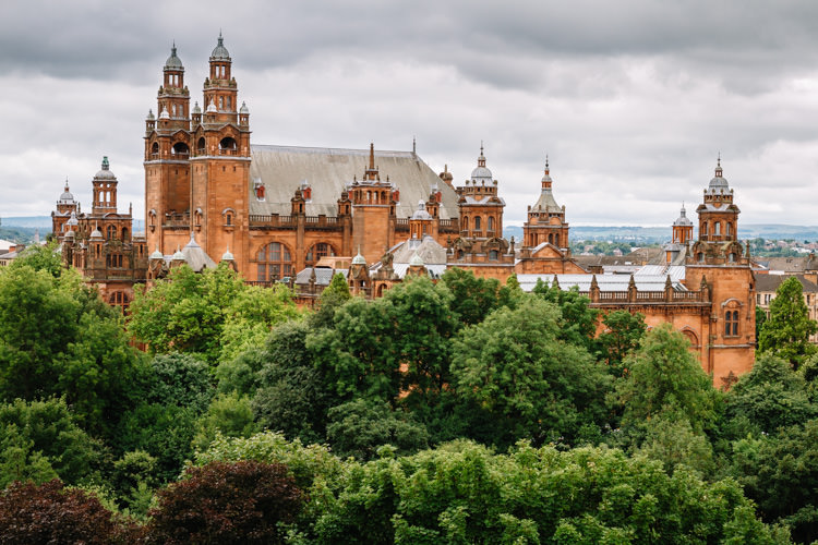 A view onto Kelvingrove Art Gallery and Kelvingrove Park from Glasgow University flagpole