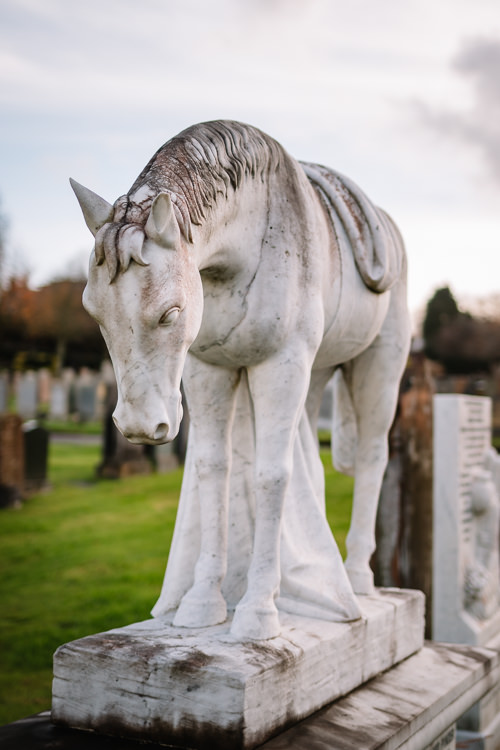 Pony with a fallen curtain sculpture in memory of William Ord Pinder (1862-1941)