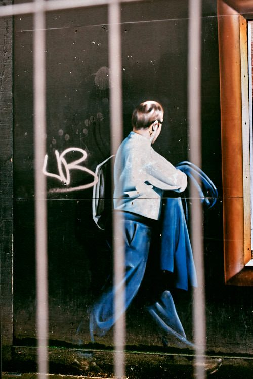 Graffiti passer by