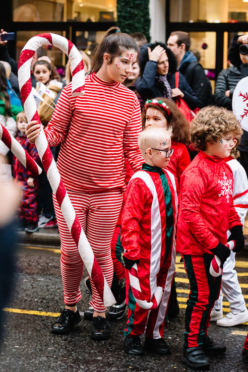 Primary school children join Glasgow Xmas parade on Style Mile
