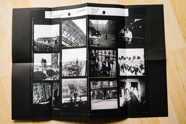 Centrefold image features a contact sheet of Oscar Marzaroli's work in Street Level Photoworks brochure