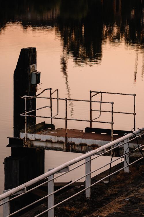 Disused boat docking station near Victoria Bridge